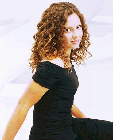 Mackenzie Rosman 2002